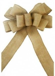 How to Make Burlap Bows - I love these bows for Christmas!