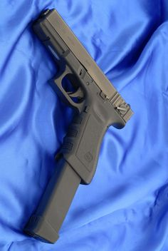 Glock 18c..... Yes my dream glock:)