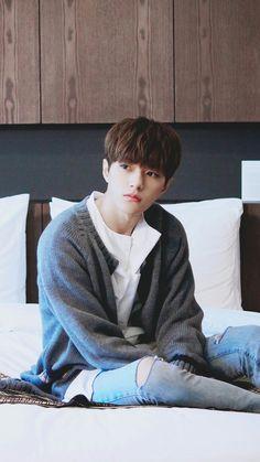 [PIC] 161121 Woollim Naver Update : #인피니트  #INFINITE Hotel Advertisment Photoshoot - #Myungsoo  he looks like kid being alone at home
