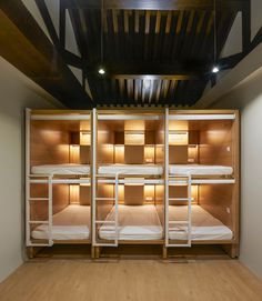 Gallery of Xiezuo Hutong Capsule Hotel in Beijing / B. Architecture Studio - 32 Image 32 of 37 from gallery of Xiezuo Hutong Capsule Hotel in Beijing / B. Photograph by Ruijing Photo Bunk Bed Rooms, Bunk Beds With Stairs, Casa Santa Rita, Queen Size Bunk Beds, Sleeping Pods, Casa Hotel, Capsule Hotel, Bunk Bed Designs, Hotel Interiors