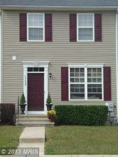 1732 Upper Forde Lane, Hampstead, MD 21074 — Lovely Town home in North Caroll Farms, a desirable subdivision in Hampstead Awaits You!. This home is a must see! Over 1500s ft of living space that offer Three level bump out to included masterbath, sunroom in kitchen and den in basement. Features include 3 bedrooms, 2 full baths and 2 half baths, fully finished level with walk out to the rear yard. This home is waiting for you!!