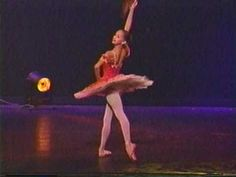 Misty copeland only 15 years old. Kitri Variation Act 3 from Don Quixote. *keep in mind that she on,y started dancing two years previous to this* Ballet Music, Ballet Dancers, Ballerinas, American Ballet Theatre, Misty Copeland, Ballet Photos, Dance Movement, Dance Company, Ballet Costumes