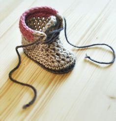 Crochet PATTERN 004 Adventure Boots work by InvenzioniDiFilo