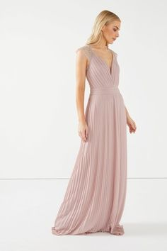 TFNC Maxi Dress With Scallop Lace Maxi Bridesmaid Dresses, Prom Dresses, Formal Dresses, Wedding Dresses, Latest Fashion For Women, Mens Fashion, Tfnc, Pleated Maxi, Scalloped Lace