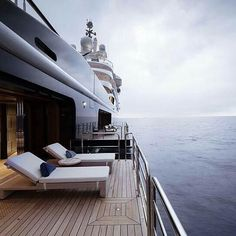 Amazing!!! Follow @____tycoon____ . . Photo from @yacht_interiors #yacht #yachting #sea