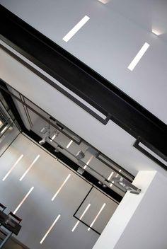 Dettaglio_Showroom Platform 9 _BLADE by Buzzi & Buzzi (Arch. Valentino Benati)