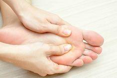 Pourquoi il est important de se masser les pieds tous les soirs ! Les effets Incroyables