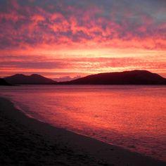 Sunset of the day: A beautiful purple sunset takes over the sky of the Fiji Islands. #fijisunset #tropicalviews #tropicalsunset #tropicallife #beachlife #sunsetoftheday #sunsetviews