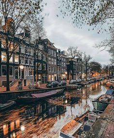Photo from @citybestviews! Welcome to #Amsterdam #Netherlands! Goodnight to all of you! Tag a friend you would like to visit this great city together!!! Credits to @een_wasbeer! Have a look at these great profiles!  Send your #travelstories... Link in bio!!!  Tag your best travel photos with #the_daily_traveller  #iamsterdam  #ig_amsterdam #travelanddestinations #beautifuldestinations #travellingthroughtheworld #topeuropephoto #arttravelgr #travelawesome #worldcaptures #passionpassport…
