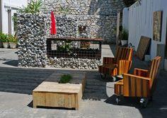 terraza con gaviones Firewood, Texture, Crafts, Terrace, Art, Surface Finish, Woodburning, Manualidades, Handmade Crafts
