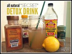 "This all natural ""secret"" detox drink recipe will help bloating, increase energy, speed-up metabolism, stabilize blood sugar and boost your immune system. (Diet Plans To Lose Weight For Women Over Fifty) Detox Drinks, Healthy Drinks, Healthy Food, Healthy Detox, Apple Detox, Lemon Detox, Healthy Life, Healthy Living, Healthy Protein"