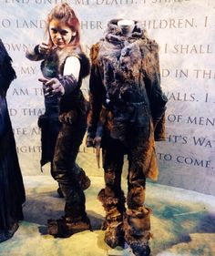 That one time I was in NY at the #fanExperience from @gameofthrones and a @hbo photographer asked me to stand next to #Ygritte 's Costume #youknownothingjonsnow #gameofthrones #gotexhibition #season3 #cosplay #gotcosplay #gameofthronescosplay #ygrittecosplay #costume #moviecostume