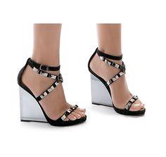 [acrylic heel] Santa Lolla Acrylic Heel R$330 com taxas (US$165)
