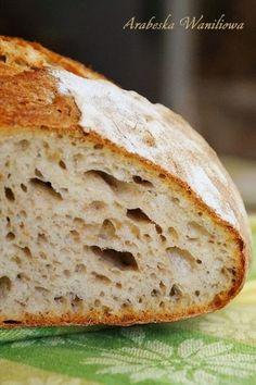 Z okazji Światowego Dnia Chleba ( World Bread Day ) upiekłam francuski chleb na zakwasie według Daniela Leadera. Z chrupiącą skórką, wilg...