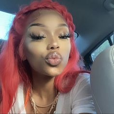 Creative Hair Color, Gorgeous Hair Color, Brown Skin Girls, Creative Hairstyles, Photo Dump, Instagram Models, Makeup Inspo, Wigs, Halloween Face Makeup