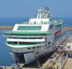 gigantesque ferry danielle casanova oran algerie