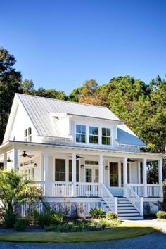 A sweet modern bungalow with full front porch uploaded to Pinterest via Sweet Magnolias Farm.
