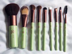 Free Photo Makeup Brush - Maquiagem Vidalondon