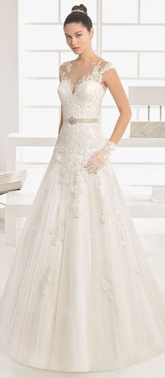 Princess-style dress with beaded lace bodice, A-line tulle skirt and tattoo-effect yoke and back, in natural/nude.