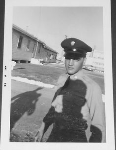 Private Elvis Presley at Fort Hood, TX, spring 1958   Thnx to MisterMoon on FECC Forum who luckily saved the photo before the seller attached the watermarks. See more: http://www.ebay.com/itm/ORIGINAL-VINTAGE-PHOTO-ELVIS-PRESLEY-IN-THE-ARMY-May-1958-CANDID-/121745847802