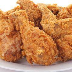 Este receta de pollo frito estilo Kentucky es mi favorita entre todas las recetas de pollo frito. El resultado es un pollo jugoso, aromático y crujiente. Pollo Frito Estilo Kentucky, Kentucky Chicken, Kentucky Fried, Pollo Chicken, Fried Chicken, Pasta Pollo, Cooking Time, Cooking Recipes, Gourmet