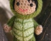 Crochet Pattern Ruby in a strawberry costume amigurumi di Owlishly