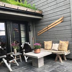 Cottage Ideas, Mountain, Cabin, Videos, Outdoor Decor, Photos, House, Instagram, Home Decor
