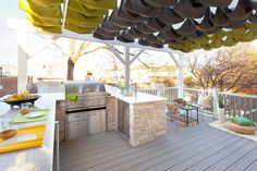 Sensa Granite by Cosentino | Decking by Trex | Grill by Lynx Grills #CousinsOnCall