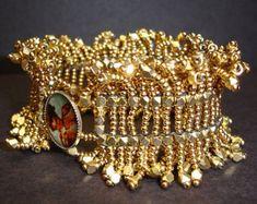 Sassy Shag Bracelet pdf Instructions ONLY от SturdyGirlDesigns Beaded Jewelry Patterns, Bracelet Patterns, Beading Patterns, Beading Projects, Beading Tutorials, Bangles, Beaded Bracelets, Bracelet Tutorial, Bead Art
