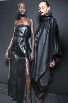 Salvatore Ferragamo Fall-Winter 2019, Womenswear - Fashion Week (#34456) Worldwide Skin To Skin, Business Fashion, Salvatore Ferragamo, Photo Galleries, Fall Winter, Women Wear, Italia, Office Fashion