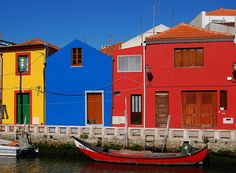 Travel to Portugal - this one is high on the list! Portugal Travel, Natural Living, Pathways, House Colors, Beautiful Places, Spain, Island, Adventure, Mansions