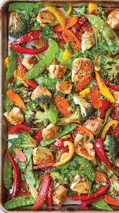 Pan Asian Stir Fry No fancy wok/skillet needed here for this sheet pan Asian stir fry recipe.No fancy wok/skillet needed here for this sheet pan Asian stir fry recipe. Healthy Chicken Recipes, Healthy Dinner Recipes, Pasta Recipes, Salad Recipes, Vegetarian Recipes, Recipe Chicken, Ham Recipes, Grilling Recipes, Baking Recipes