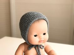 Capota Muñeca :: miloti y punto Baby Hats Knitting, Crochet Hats, Pattern Meaning, Dolly Doll, Doll Closet, Preemie Babies, Baby Born, Knitted Dolls, 18 Inch Doll