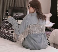 2020 trendy jeans jackets and outfits . Daily Fashion, Denim Fashion, Fashion Outfits, Emo Fashion, Modest Fashion, Fashion Trends, Look Jean, Diy Clothes, Clothes For Women