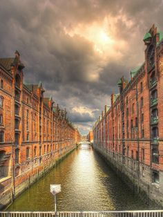 Hamburg, Germany - love it Cities In Germany, Germany Travel, Vacation Places, Places To Travel, Cool Places To Visit, Oh The Places You'll Go, Travel Pictures, Cool Pictures, Living In Europe