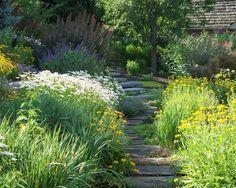 Romantische Wege Im Garten Gestalten Bilder