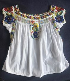 Mexican Blouse, Mexican Dresses, Traditional Mexican Dress, Witch Fashion, Textiles, Mexican Style, Fasion, Off Shoulder Blouse, T Shirt