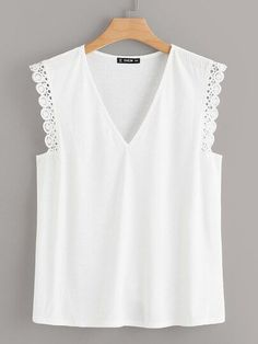 To find out about the Plus V Neck Lace Trim Rib-knit Tank Top at SHEIN, part of our latest Plus Size Women Tops ready to shop online today! Sewing Clothes, Diy Clothes, Clothes For Women, Blouse Styles, Blouse Designs, Plus Size Women's Tops, Mode Chic, Couture Tops, Knitted Tank Top