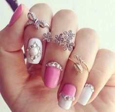We Heart It yoluyla görsel https://weheartit.com/entry/153113023 #fashion #girl #jewelry #nailart #nails #pink #pretty #rings
