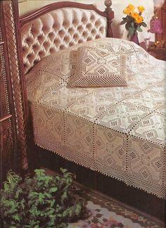 Lindíssima sugestão de colcha em crochê para decorar o lar.                                           Grafi...