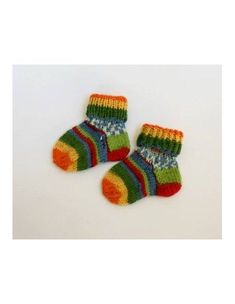 Baby socks, Jersey, are knit with circular needles, to avoid a sewing which could hamper the baby. Point Mousse, Circular Needles, Green Wool, Baby Socks, Garter Stitch, Green Fabric, Baby Accessories, Creations, Hamper