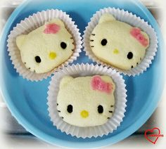 Loving Creations for You: Hello Kitty Chiffon Cupcakes and Cake pops
