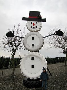 1000 images about christmas recycled tires on pinterest for Snowmen made from tires