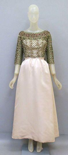 Evening dress House of Balenciaga (French, founded 1937) Designer: Cristobal Balenciaga (Spanish, Guetaria, San Sebastian 1895–1972 Javea) Date: ca. 1965