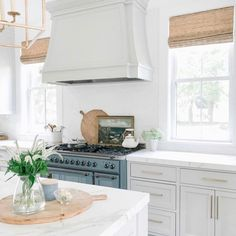 Pristine white, we love this kitchen design. 😍😍 📷 @finding__lovely  ... Visit our website for more kitchen inspiration. 😊  . . . . . . . . . . . #quartzcountertop #countertops #kitchencabinets #kitchencountertop #quartzkitchen #kitchenbeautiful #marthastewartliving #kitchendecor #kitchendesign #kitchenchronicles #interiorstyling #homedecorideas #kitchengoals #homedesignideas #interiorandhome