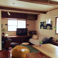 nicoさんの、ユーズド家具,ソファ,ニトリクッションカバー,無印良品,柴ワンコ,観葉植物,部屋全体,のお部屋写真