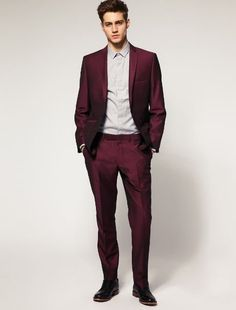 Register an account with Binance today Casual Groom Attire, Casual Grooms, Men Casual, Dress Suits For Men, Suit And Tie, Mens Suits, Blazer For Men Wedding, Burgundy Suit, Fiesta Outfit