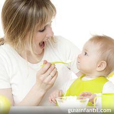 Las papillas de fruta así como los purés de verdura pueden ser incorporados a la dieta del bebé a partir de los 5 meses, de forma gradual, con cada fruta y cada verdura a la vez, observando si el bebé presenta alguna reacción o alergia al nuevo alimento. Guiainfantil.com te ofrece un abanico de recetas fáciles y rápidas para elaborar las papillas o los purés para tu bebé.                               googletag.cmd.push(function() { var slot_14918 = googletag.defineSlot('&#...