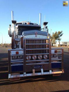 Kenworth Trucks, Peterbilt, Cool Trucks, Big Trucks, Tow Truck, Truck Drivers, Truck Festival, Road Train, Cab Over