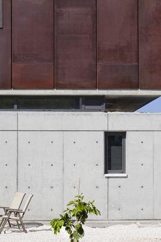 Andri & Yiorgos Residence by Vardastudio Architects and Designers, Chloraka…